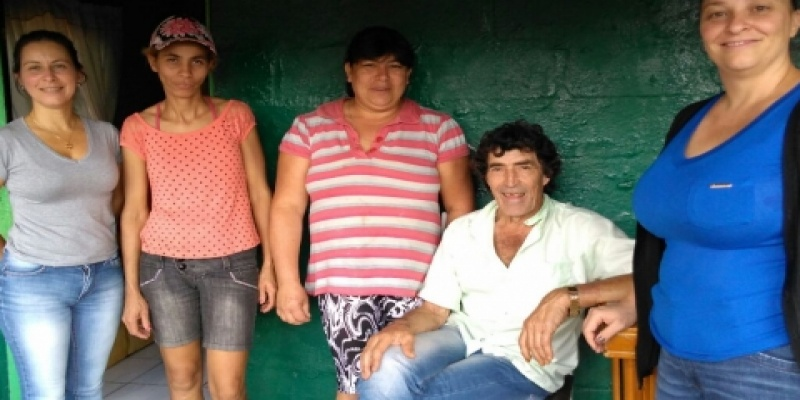 Vereadoras Paula e Simone visitam famílias atingidas pelos ventos e granizo no interior de São Domingos