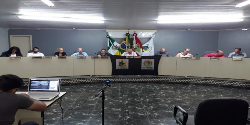 Câmara de Vereadores de São Domingos dá entrada a um Projeto de Lei e aprova por unanimidade dois Projetos de Lei e duas Indicações