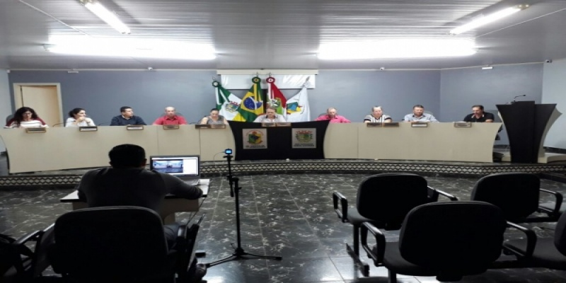 Vereadores aprovam um Projeto de Lei, duas Indicações e um Pedido de Informação durante esta semana
