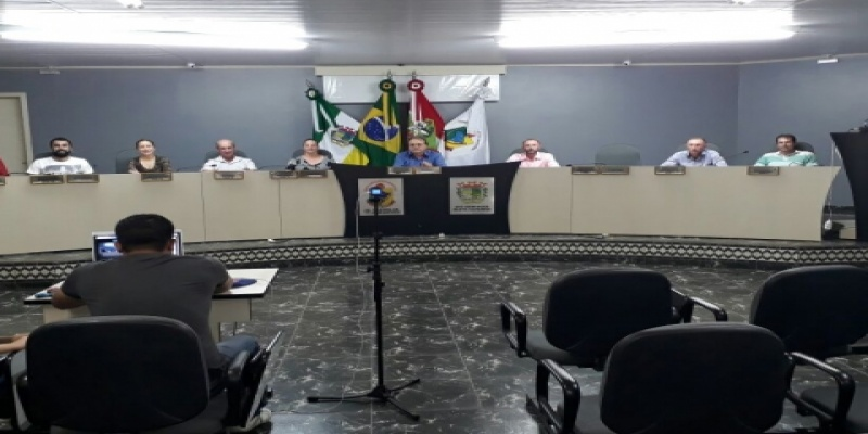 Projeto de Lei Complementar que institui a Política Municipal de Desenvolvimento de São Domingos é aprovado pela maioria dos Vereadores