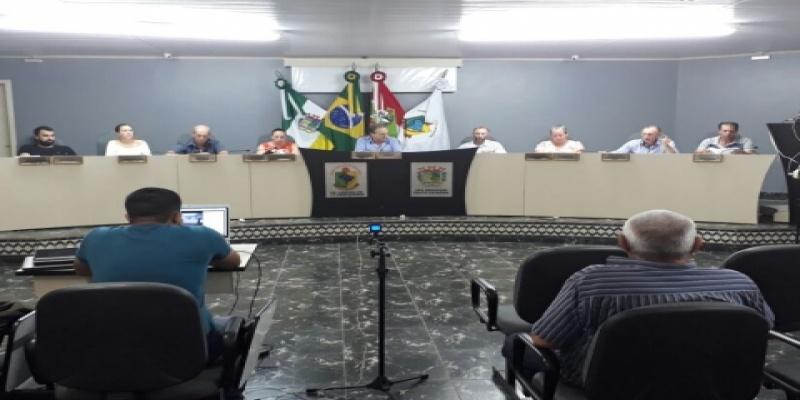 Vereadores se reúnem em Sessão Extraordinária para votação do segundo turno de Projeto de Lei Complementar