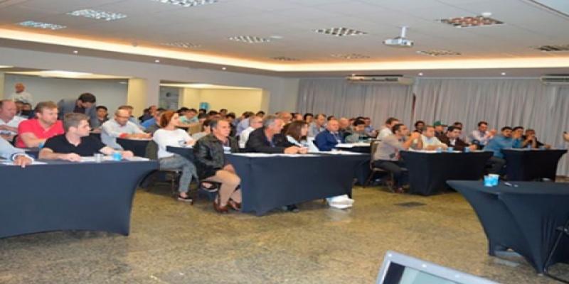 Vereadores e servidor da Câmara de Vereadores de São Domingos participam de curso de formação em Florianópolis