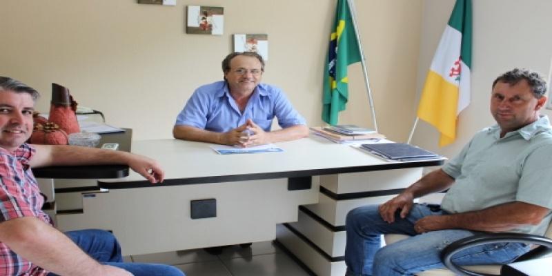 Pastor da Igreja Assembleia de Deus e Presidente do Conselho visitam a Câmara Municipal de Vereadores de São Domingos